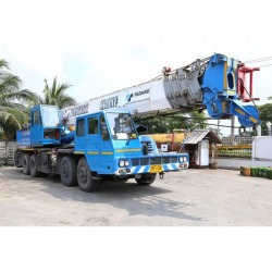 50 ton 12 wheel crane for rent