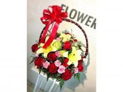 รับจัดกระเช้าดอกไม้