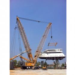 Crawler Crane 300 ตัน ยกเรือยอร์ช