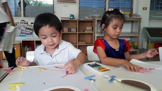 เทพสนิท โรงเรียนอนุบาลและเนอสเซอรี่ - ศิลปะเด็ก