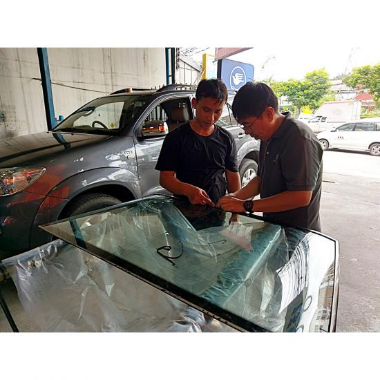สินไทย กระจกรถยนต์  - แนะนำร้านซ่อมกระจกรถยนต์ร้าว