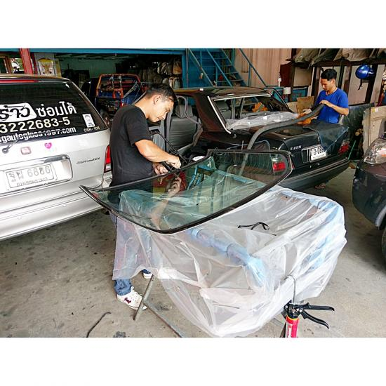 สินไทย กระจกรถยนต์  - ร้านเปลี่ยนกระจกรถยนต์พัฒนาการ