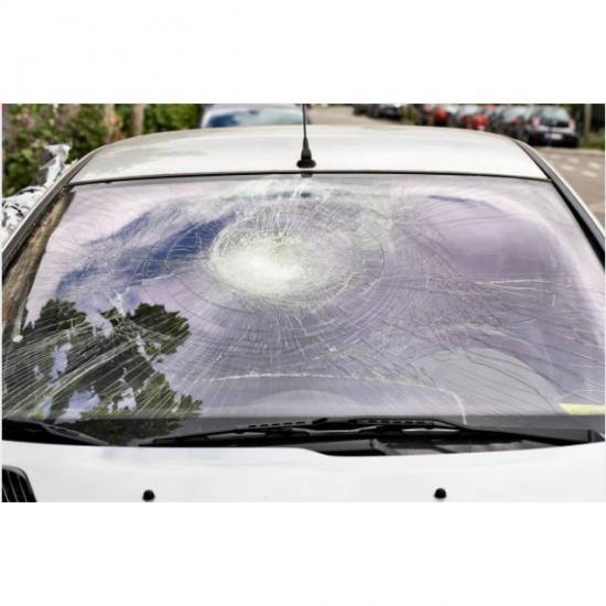 สินไทย กระจกรถยนต์  - กระจกหน้ารถยนต์แตก