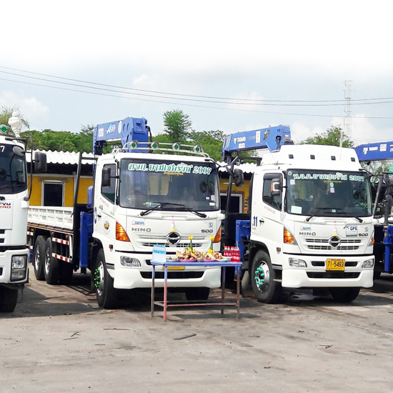 รถบรรทุกติดเครน - ห้างหุ้นส่วนจำกัด อามเซอร์วิส2007  - รถบรรทุกติดเครน