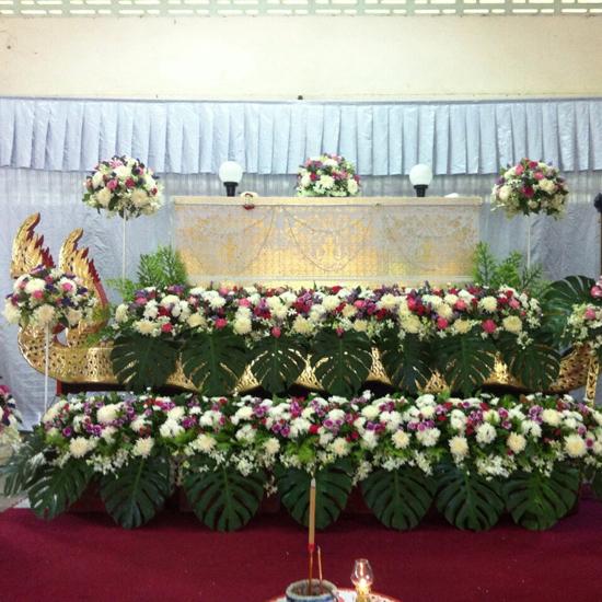 บ้านดอกไม้ - จันทบุรี - รับจัดดอกไม้งานพิธีต่าง