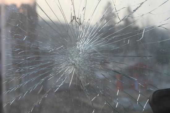 ซ่อมรอยร้าวกระจกรถยนต์ ซ่อมรอยร้าวกระจกรถยนต์  ร้านซ่อมกระจกรถยนต์  กระจกรถยนต์แตก  เปลี่ยนกระจกรถยนต์  อู่ซ่อมกระจกลำลูกกา  ติดฟิล์มกระจกลำลูกกา
