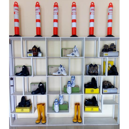 อุปกรณ์เสริมสร้างความปลอดภัย ผลิตภัณฑ์อุปกรณ์เซฟตี้  เซฟตี้โปรดักส์  อุปกรณ์เซฟตี้  อุปกรณ์ป้องกันภัย  อุปกรณ์จราจร  รองเท้าหัวเหล็ก  หมวกป้องกัน  หมวกแข็ง