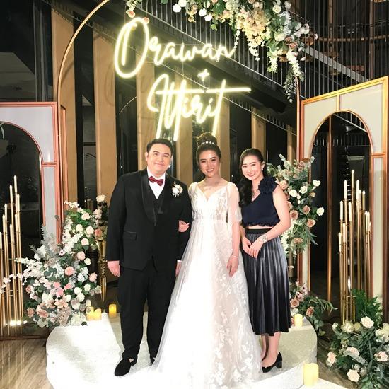 พิธีกรงานหมั้น งานแต่งงาน งานมงคลสมรส พิธีกรงานแต่งงาน  พิธีกรงานหมั้น  พิธีกรงานสมรส  พิธีกรสาว  พิธีกรงานมงคล  พิธีกร