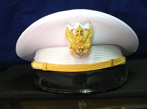 หมวกข้าราชการชายชุดขาว