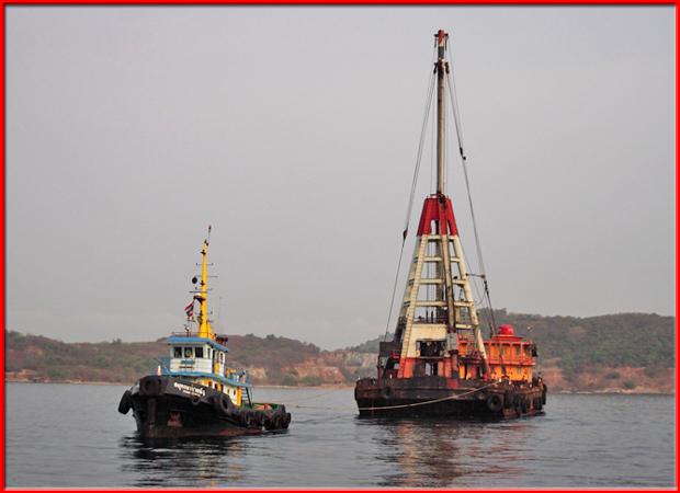 บริการลากจูงเรือ และเรือเครนน้ำ