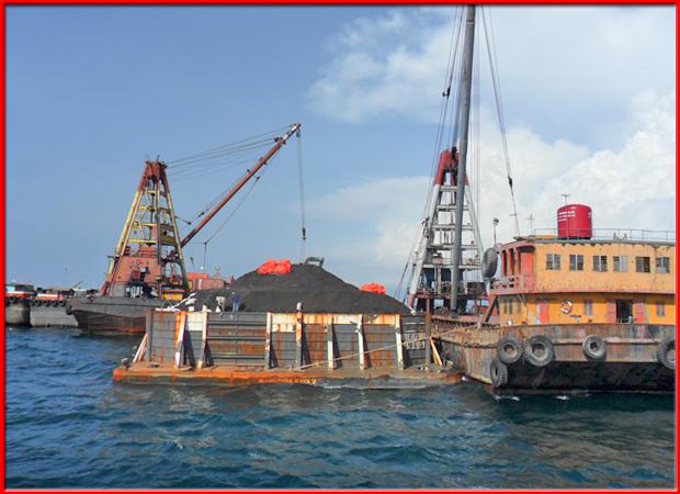 ขนถ่ายสินค้าโดยเรือเครนน้ำ