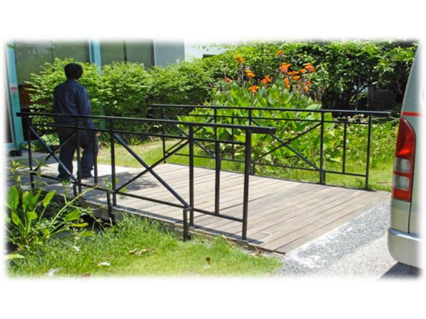โครงการปรับปรุงทางเดินเท้า SCG  - บริษัท พีเอสเอ เอ็นจิเนียริ่ง แอนด์ คอนสตรัคชั่น จำกัด