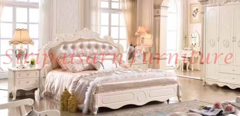 เตียงนอนเจ้าหญิง 6 ฟุต หัวเตียงหุ้มเบาะสวยหรู เข้ากับขอบไม้